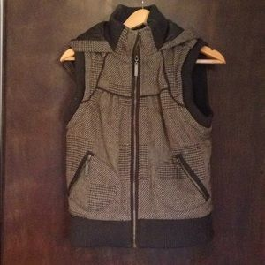 BKE from Buckle, quilted, sweater vest